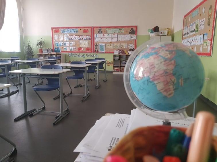 În așteptarea elevilor