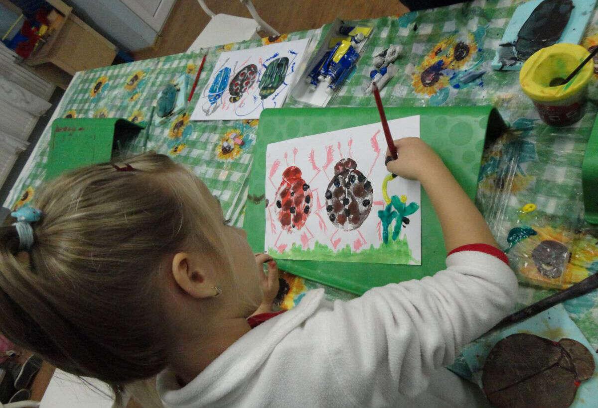 Clubul de Pictură Dezvoltare Creativă